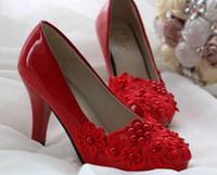 кружевные туфли для подружек невесты оптовых-Белые женские туфли невесты свадебные туфли кружева Bridesmaid Wedding Shoes жемчужные туфли с плоским низким