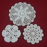 Wholesale handmade Crocheted Doilies Design cup mat doily vase Pad White lace Round coaster Home Garden cm table mat tmh360