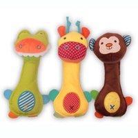 jouet bâton marionnette achat en gros de-Bébé hochets intégré BB main bâton super mignon en peluche marionnette animaux de dessin animé bébé éducation sonné cadeaux
