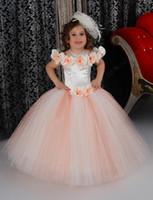 mini robe de mariée arc achat en gros de-Belles Puffy fleur rose Robes de mariée en satin à volants Pour Jewel décolleté 2,016 Robes Première Communion enfants Bow Top Quality Short Mini