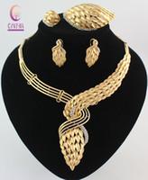 yeni gelin setleri toptan satış-Yeni Varış Afrika Kostüm Takı Seti 18 K Altın Kaplama Kristal Düğün Kadınlar Gelin Aksesuarları nijeryalı Kolye Takı Seti Mücevher Kutuları