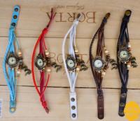 vintage armbanduhr leder mädchen großhandel-freie Verschiffenweinleseart Blatt-hängende lederne Uhr für Frauen Quarzbronzestunden-Damenarmbanduhr