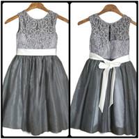 faja de pascua al por mayor-2018 vestidos de las muchachas de la flor gris con el marco blanco de la boda niños de la dama de honor de pascua comunión vestido de bautismo barato por encargo
