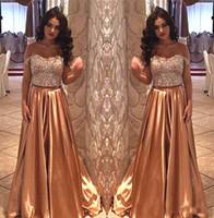 dos piezas de vestido de fiesta de diamantes al por mayor-2018 Dubai Arab Sparkly Shiny Diamond Crystal Gold Dos piezas Prom Vestidos de noche Off Shoulder Women Vestido formal Nupcial Guest Outfit