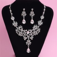 Wholesale Korean Jewelery - 2015 Hot Crystal Rhinestone Bridal Necklace Earrings Set Korean Style Wedding Adjustable Pendant Necklace Jewelery Set Bridal Accessories