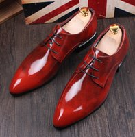 düğün erkekler için mavi elbise ayakkabıları toptan satış-YENI varış Hakiki deri Erkek elbise ayakkabı, Erkek Iş oxford ayakkabı En kaliteli tasarımcı marka kırmızı / mavi erkek Düğün ayakkabı