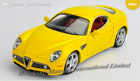 Atacado-1: 32 Scale Alloy Car Modelo Diecast para a Alfa Romeo 8C Spider Collection Pull Voltar Car Toys Com