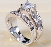 Vente en gros Professional Claw setting Bijoux 925 sterling silver Saphir blanc Princess Cut Simulated Diamond Wedding Bridal Women Ring cadeau