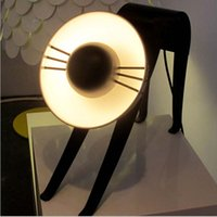 Creative Cat Lampes de bureau Blanc Noir Fer Lampe de table moderne Style Simple Drawing Room étude de Chambre lampe de bureau