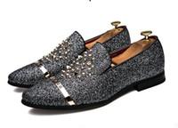 черные мокасины серебряные шипы оптовых-Новые мужчины мокасины серебро черный алмаз стразы шипами мокасины заклепки обувь мужской дизайнер Свадебная вечеринка обувь