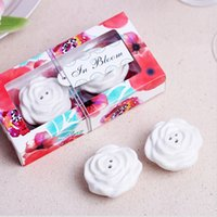 flower peppers 2018 - 2pcs for one box Elegant Blooming Roses Flower Ceramic Cruet Salt & Pepper Shakers Wedding Party Favor Gifts for Guest Free Shipping