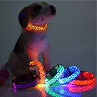 Wholesale Small Flashing Led - LED Dog Collar Safety Leopard Design Nylon Night Light Necklace For Dog Cat Glowing in the dark Flashing Pet Decor Producto L007