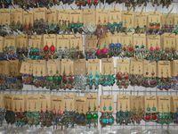 boucles d'oreilles pendantes achat en gros de-2017 nouveaux bijoux de mode mélange aléatoire 12 style 12 paires / lot Vintage tibétain argent / bronze résine gemme boucles d'oreilles Dangle Earrings