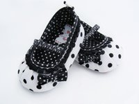Wholesale Baby Walkers For Sale - Wholesale-Hot sale Cute children's shoes white-black dot First Walker Warm Soft sole warm baby girl shoes For Free Shipping