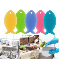 Wholesale Silicone Accessories For Kitchen - Silicone Tableware Brush Fish Shape Fruit Vegetable Brushs For Home Kitchen Clean Tool Cleaning Accessories Multi Color 6xl C