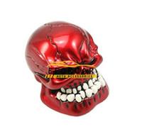 bâton de voiture noir achat en gros de-Pommeau de levier de vitesse de voiture manuelle méchante sculptée crâne Pommeau de levier de vitesse personnalité transmission Gear Stick Red / Black