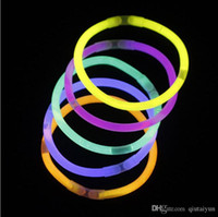 Multi Color Glow Stick Bracelet Colliers Neon Parti LED clignotant Light Stick jouet de nouveauté Baguette LED Concert Vocal flash LED Bâtons 100P HOT10
