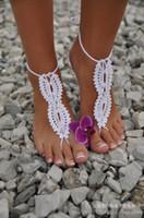 sandalias blancas de ganchillo al por mayor-Boda de playa Crochet blanco sandalias descalzas Hollow Nude zapatos Foot Lace Anklet Barato Envío Gratis