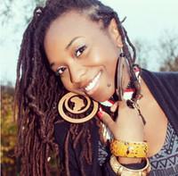 ingrosso orecchini di goccia di cristallo neri-Orecchini in legno con cerchio africano di colore avialbale a 2 colori