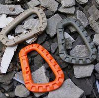 anneaux en plastique achat en gros de-D forme 200LB Alpinisme Boucle Snap Clip Plastique Acier Escalade EDC Sac À Dos Boucle Crochet Mousqueton D-Ring serrure Tactique Molle Quickdraw