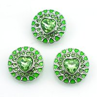 Fashion 18mm Snap Buttons High quality Green Rhinestone Heart Metal Clasps DIY Noosa Bracelets Interchangeable Jewelry Accessories