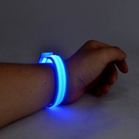 Barato Bracelete De Homens Brilhantes-Moda Led Bracelet Unisex Popular Men's Womens 'Children's Led Shining Bracelet Para festa para Concerto Free Shipping Party Decoration