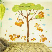 floresta animais parede murais venda por atacado-Esquilo Casa Decalque Adesivo de Parede Esquilo Jogando sob a árvore de Arte Mural Da Parede Dos Miúdos Dos Miúdos Decoração Animal Parede Apliques de Animais Cartaz