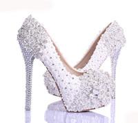 beyaz çizgili akşamlık ayakkabısı toptan satış-Bahar Beyaz Dantel Çiçek Rhinestone Düğün Ayakkabı Yeni Tasarım Lüks El Yapımı Yüksek Topuk Gelin Ayakkabıları Akşam Balo Ücretsiz Nakliye Pompalar