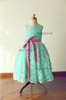 baby blue junior vestidos de dama de honor al por mayor-Vestido de niña de flores en forma de rosetón de encaje azul menta / comunión / bautismo / Vestido de dama de honor menor / Vestido de niña / Blush Pink Sash / Bow