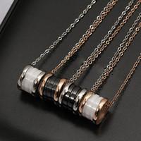 18 k beyaz altın 18 zincir toptan satış-Titanyum Çelik Roma dijital 18 K gül altın kaplama kolye kısa zincir gümüş kolye beyaz siyah seramik kolye kadınlar için çift hediye