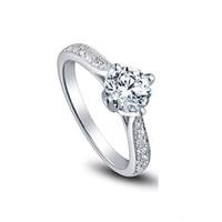 ücretsiz oklar toptan satış-Ücretsiz Kargo Güzel ABD GIA sertifikası 18 K beyaz altın 1 ct moissanite nişan yüzükler kadınlar için, kalpler ve oklar, düğün elmas yüzükler