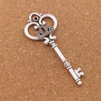 charmes de couronne antiques achat en gros de-Rétro Coeur Couronne Fleur Clé Charme Perles 20 pcs / lot Antique Argent 32x84mm Collier Pendentif L894 Bijoux DIY