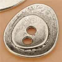 agujero de botón de metal al por mayor-Botón de perlas brazaletes collares joyería mano haciendo agua gota 2 agujeros solo DIY Retro de metal de plata accesorios para manualidades 23 * 19 * 2 mm 100 unids