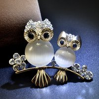 Wholesale Man Made Opal - Luxury atmosphere jewelry owl crystal man-made opal stone brooch brooch Chinese fashion pin accessories