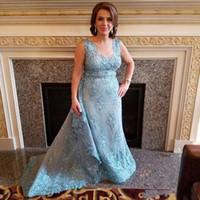 vestidos de novia de encaje azul claro madre al por mayor-2017 El más nuevo Light Sky Blue Madre de los vestidos de novia Sheer Neck Lace Applique Beads Crystal Plus Size Long Train Wedding Guest Gowns