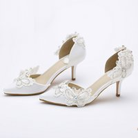 Kitten Heel Pointed Toe Bridal Shoes Women White Satin Pumps Butterfly Rhinestone Wedding Party Shoes Мать невесты Обувь