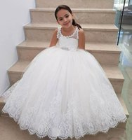 2018 Princess White Lace Flower Girls Dresses with Beads Sash Appliqued Puffy Ball Gowns Girls Pageant Birthday Party Gowns Длина пола