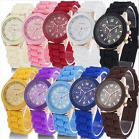 Free DHL Mint green geneva Watch Jelly Watch Trois cercles Affichage Silicone Strap Candy Color Unisex Rubber Girls Ladies Women montres