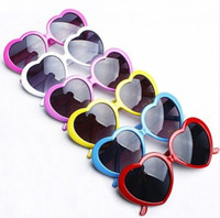 Wholesale Heart Shaped Sunglasses Candy - Heart Shaped Sunglasses Candy Colors Men And Women Summer Shade UV400 Glasses free shipping