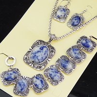 Top 3 unids Nueva Llegada Vintage Antique Silver Natural Purple Lucky Stone Hollow Earrings Pulsera Collar Mujeres Joyería Set A1007
