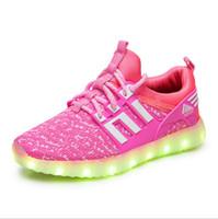 ingrosso i ragazzi hanno illuminato le scarpe-Bambini sport per lo svago scarpe per bambini ragazzi e ragazze scarpe rete traspirante bambini colorati lampeggiante lacci USB luci di ricarica