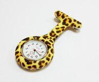 colores de estampado de cebra al por mayor-Silicona Enfermera Reloj de bolsillo Colores del caramelo Zebra Leopard Prints Banda suave broche Enfermera Reloj 11 patrones Envío gratis Nuevo