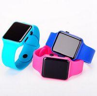 montre tactile femme achat en gros de-Mode Carré Miroir Cadran Numérique Montre LED Femmes et Hommes LED Écran Tactile Coloré Silicone Hommes Montre-bracelet pour CADEAU Montre