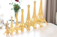 paris eiffelturm mittelstücke großhandel-Romantisches Gold Paris Eiffelturmmodell Legierungs-Eiffelturm-Metallandenken Hochzeitsmittelstücktabellenmittelstück viele Größe, um zu wählen