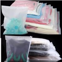 rangement en plastique pour les vêtements achat en gros de-Sac de rangement de voyage givré en plastique épais zippé à fermeture à glissière poly sac d'emballage de rangement pour vêtements chaussures bijoux