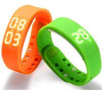 pulsera w2 al por mayor-Regalo de Navidad Pulsera Inteligente W2 Reloj Deportivo Smartwatch de 5 Colores Reloj Fitbit Flex Health Records Podómetro Rastreador de Sueño Calorías de Temperatura