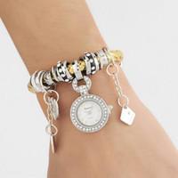reloj de cuentas de cuarzo al por mayor-Reloj de cuarzo trenzado plateado PU banda de cuero reloj con cuentas encantos colgantes pulseras reloj vestido Relojes para mujeres Relojes de pulsera