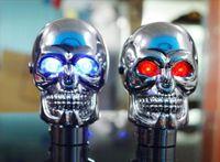botão de mudança de velocidade crânio venda por atacado-Shift Alavanca Knob Manual Shifter Gear Cabeça Crânio Universal LED luz Azul Vermelho