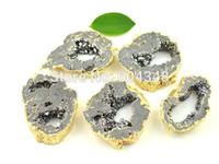 graue edelsteine großhandel-5pcs Geode Druzy Quartz Connector Perlen in grauer Farbe, Crystal Drusy Gem Stein Anhänger, vergoldet Edge Druzy Connector