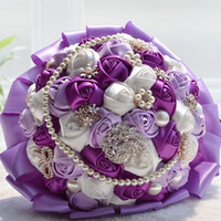 bouquet de flores de rosa roxo venda por atacado-Fushcia / Roxo Fita Artificial Rosa Brilhante Bouquets De Noiva Com Contas de Cristal Colorido Pérolas De Luxo Flor Bouquet Para A Noiva